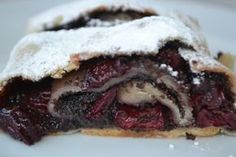 Myslím, že toto štrúdľové cesto je najlepšie, aké som kedy robila, lebo vždy sa každému vydarí. Je to veľmi starý recept, tak skúste :) Czech Recipes, Markova, Pastry Cake, Strudel, Apple Recipes, Sweet Tooth, Cheesecake, Food And Drink, Tasty