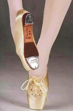 Weird but cool! Talk about versatility, I'd like to see someone use these in one dance  #tap #pointe #dance