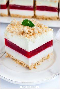 Ciasto truskawkowa lasagnia - I Love Bake