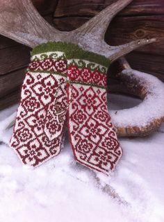 Ravelry: Elly mittens pattern by JennyPenny
