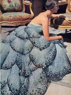"""""""Junon""""  Design House: House of Dior (French, founded 1947) Designer: Christian Dior (French, Granville 1905–1957 Montecatini) Date: fall/winter 1949–50 Culture: French Medium: cotton Dimensions: (a) Length at CB: 3 in. (7.6 cm) (b) Length at CB: 48 in. (121.9 cm) (c) Overall: 1 x 72 in. (2.5 x 182.9 cm)"""