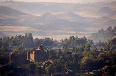 When Gondar was capital of Ethiopia, a number of visitors from Europe and other continents reached the city and returned home to tell with amazement what they had seen. At the end of the 17th Century a French diplomat described the great palaces of Gondar with rich decorations, beautiful carved furniture and the emperor's gold throne. More than 50 years later the Scotchman James Bruce came to Gonder where he lived several years.