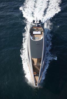 Twowheels+: Foster Yacht