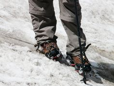 What Shoes To Wear In Snow? Snow boots are the first option we often think of when talking about the shoes for the winter. Best Winter Boots, Your Shoes, Snow Boots, Hiking Boots, Combat Boots, Dress Shoes, Footwear, Pairs, How To Wear