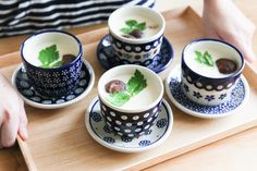 Polish Pottery, Glass Table, Cool Kitchens, Tea Time, Tea Cups, Ceramics, Dishes, Cooking, Tableware