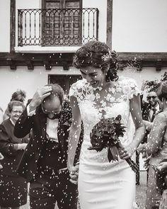 Fotografía de bodas. (@clave_baja_wedding) • Fotos y videos de Instagram Wedding Fotos, Wedding Dresses, Instagram, Fashion, Weddings, Bride Dresses, Moda, Bridal Gowns, Fashion Styles