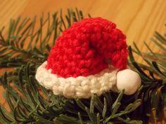 Häkelanleitung einer kleinen Nikolaus Mütze als Tischdekoration oder Baumschmuck meine Idee meine Anleitung viel spaß euch :-)  .... Häkeln, Anleitung, Mütze,