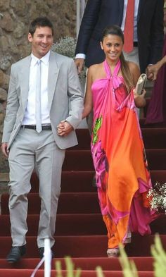 Lionel Messi Professional Footballer With Girlfriend Antonella Roccuzzo in new images, photos & pictures. Football Wags, Wife And Girlfriend, Antonella Roccuzzo, Players Wives, Soccer Players, Golden Girls, Messi And His Wife, Outfits, Party Dresses