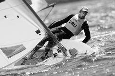 Alejandro Foglia durante la competencia en la final de la clase Láser Radial, ayer, en aguas de la bahía de Weymouth, sede olímpica de vela de los Juegos de Londres 2012. Foto: Efe, Jorge Zapata