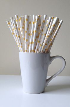 Paper Straws - Yellow and White Star Party Straws (25) and DIY Printable Drink Flags / Wedding / Birthday / Baby Shower