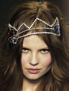 <3 this portrait of Magdalena #Frackowiak at Sonia Rykiel AW12 #crown