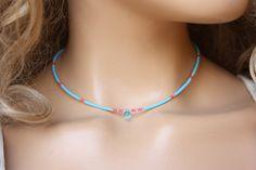 Winzige Perlen Choker Halskette Sky Blue Seed von monroejewelry
