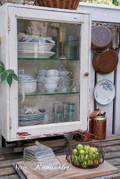 Little white cupboard via http://vitaranunkler.blogspot.com/