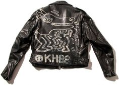 scandinaviancollectors:  A Schott´s Perfecto leather motorcycle jacket painted by Keith Haring, 1988. / Artestar