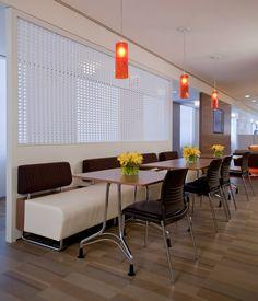 KI Hub Modular Lounge, KI Enlite Table, KI Strive Seating