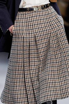 Celine Fall 2019 Ready-to-Wear Collection - Vogue Fashion Mode, Modest Fashion, Fashion Pants, Fashion Show, Fashion Outfits, Womens Fashion, Fashion Trends, Fashion Stores, Fashion Online