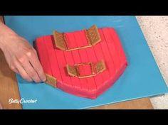 Barn Cake with Farm Animal Cupcakes Recipe - BettyCrocker.com