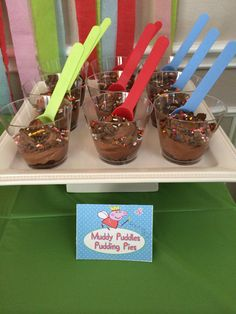 """Muddy Puddles' pudding pies. Peppa Pig birthday party."