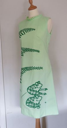 SALE 1960s The Vested Gentress Hand Screen Printed Frog and Fern Print Shift Dress WAS 65
