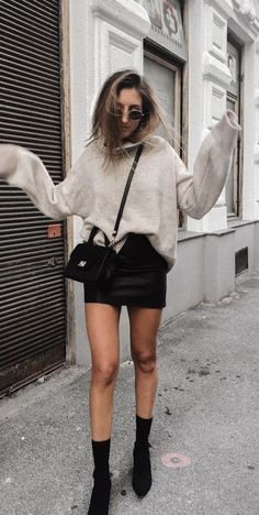 Perfect Spring Outfits to Wear Now Vol. Perfect Spring Outfits to Wear Now Vol. abiti primaverili perfetti da indossare adesso Vol. Classy Outfits, Chic Outfits, Spring Outfits, Trendy Outfits, Vintage Outfits, Fashion Outfits, Work Outfits, Spring Wear, Spring Ootd