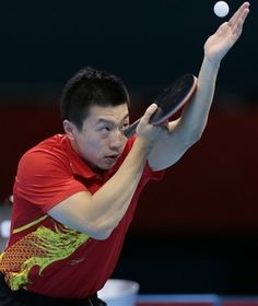 Table Tennis Player, Tennis Table, Tennis Players, Tennis Serve, Play Tennis, Ma Long, Good Posture, Top Of The World, Pose Reference