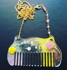 Uv Resin, Cat Necklace, Handmade Crafts, Making Out, One Piece, Shapes, Beads, Diy, Shopping