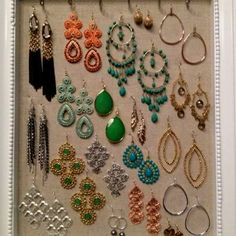 <3 This. Aspiring for my Stella and Dot display to look like this ;) www.stelladot.com/jessicaroehm