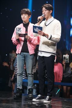 MC Stills and Winners Stage: Key (SHINee) and Jungshin (CNBlue)