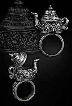 Poison Ring Style Steampunk, Steampunk Fashion, Gothic Fashion, Steampunk Rings, Jewelry Box, Jewelry Accessories, Jewelry Rings, Jewlery, Poison Ring