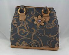 taška Leona