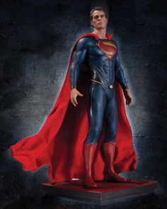 Man-Of-Steel-Iconic-Statue-DC-Collectibles-01