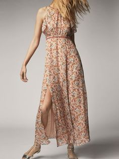 Spring summer 2017 Women´s FLORAL PRINT SILK DRESS at Massimo Dutti for 150. Effortless elegance!