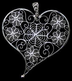 Filigree Jewelry, Sterling Silver Filigree, Sacred Heart, Ethnic Jewelry, Word Art, Tatoos, Thrifting, Jewelery, Portugal