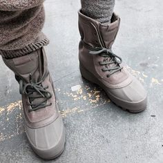 #YeezySeason1 Yeezy 950 in Moonrock by: @yeezyboostseason