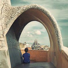 Gaudí Travel Around The World, Around The Worlds, Antonio Gaudi, La Pedrera, Barcelona Catalonia, Wanderlust Travel, Art And Architecture, Signage, Cathedral