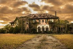Abandoned Mansion   Flickr - Photo Sharing!