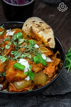 Jaipuri Aloo Pyaaz Ki Sabzi - Potato Onion Curry is made using fried potatoes and onions simmered in buttery and spicy tomato gravy. Aloo Recipes, Veg Recipes, Curry Recipes, Indian Food Recipes, Vegetarian Recipes, Cooking Recipes, Cooking Tips, Recipies, Rajasthani Food