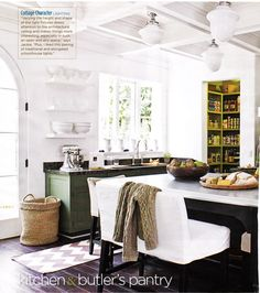 Eclectic white & green kitchen design with painted green cabinets Green Kitchen, New Kitchen, Kitchen Dining, Kitchen Decor, Eclectic Kitchen, Kitchen Ideas, Kitchen Planning, Cozy Kitchen, Kitchen Stuff