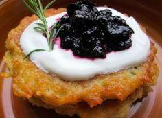 Bliny gryczane - przepis ze Smaker.pl Cheesecake, Pudding, Food, Cheesecakes, Custard Pudding, Essen, Puddings, Meals, Yemek