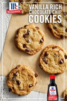 A delicious combination of chocolate and premium vanilla? Try these perfectly golden brown, Vanilla Rich Chocolate Chip Cookies for an easy go-to dessert recipe. They'll definitely make your list of all time favorite cookie recipes. Cookie Desserts, Just Desserts, Cookie Recipes, Delicious Desserts, Dessert Recipes, Yummy Food, Favorite Cookie Recipe, Favorite Recipes, Cookies Et Biscuits