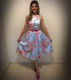 """1,120 curtidas, 98 comentários - @docecostura no Instagram: """"Look de ontem 👗 meu vestido preferido 😻 É feito com amor, é Doce Costura 🎀 !! 🍃🌸"""""""