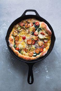 3 minutes cast iron skillet pizza on christelleisflabb...