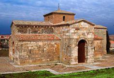 San Pedro de la Nave (Zamora) -  Fachada Sur. Arte visigodo
