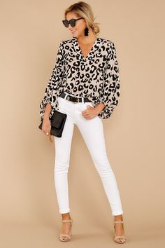 Around The Corner Light Leopard Print Top - Business Attire Leopard Print Outfits, Leopard Print Top, Leopard Shirt, Casual Dresses For Women, Casual Outfits, Cute Outfits, Casual Wear, Summer Work Outfits, Spring Outfits