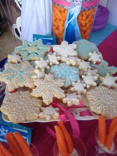 Snowflake cookies at a DISNEY'S FROZEN Birthday Party! See more party ideas at CatchMyParty.com!