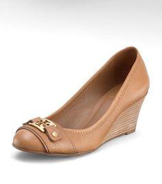Super cute! :) #wedges #shoes