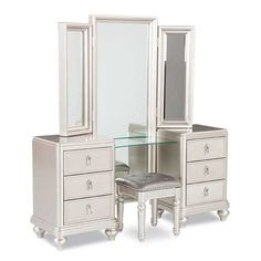 Diva Vanity Dresser Mirror Set by SAMUEL LAWRENCE is now available at American Furniture Warehouse. Shop our great selection and save! Diva Bedroom Set, 5 Piece Bedroom Set, King Bedroom Sets, Bedroom Ideas, Mirror Set, Dresser With Mirror, Furniture Styles, Home Decor Furniture, Mirrored Furniture