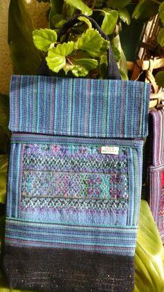 Las telas tipicas de Guatemala son elaboradas a mano un trabajo hecho por mujeres artesanas y podemos crear muchas cosas con estas hermosas telas Messenger Bag, Satchel, Bags, Fashion, Fabrics, Handbags, Good Things, So Done, Create