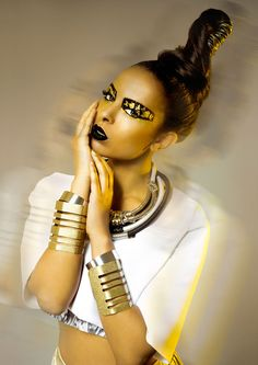 Ancient Egypt inspired fashion photoshoot. Gold foil eye makeup and black lips. More in the blog! Ana Gely A.Photography - The Secrets Concealed Within