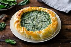 Salt cake with Ricotta cheese and spinach - CLBERT Potluck Recipes, Easy Cake Recipes, Snack Recipes, Cooking Recipes, Ricotta Pie, Spinach Pie, Instant Recipes, Healthy Chicken Recipes, Healthy Food